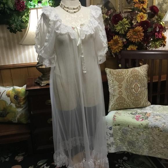 e34bea00ff4 Vintage Intimates   Sleepwear